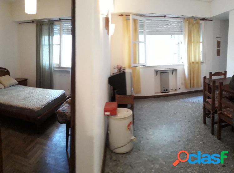 2 ambientes con cocina separada y gran living comedor