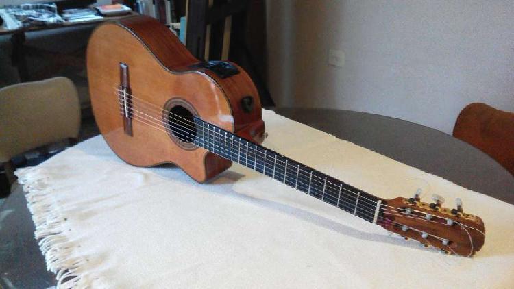 Guitarra antigua casa nuñez concierto especial electro