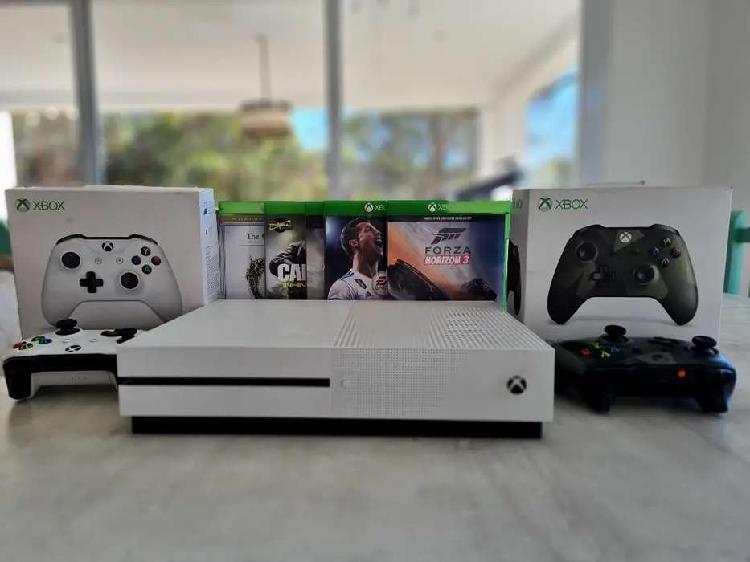 Xbox one s 1t 2 controles y 5 jugos