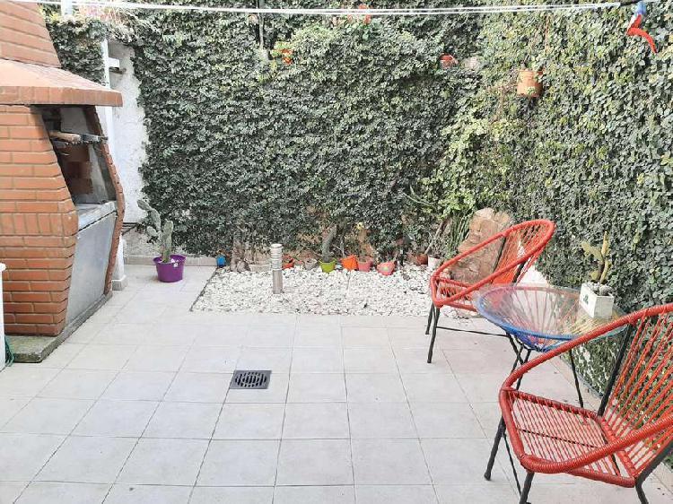Alquiler ph 2 ambientes con patio barrio villa luro -
