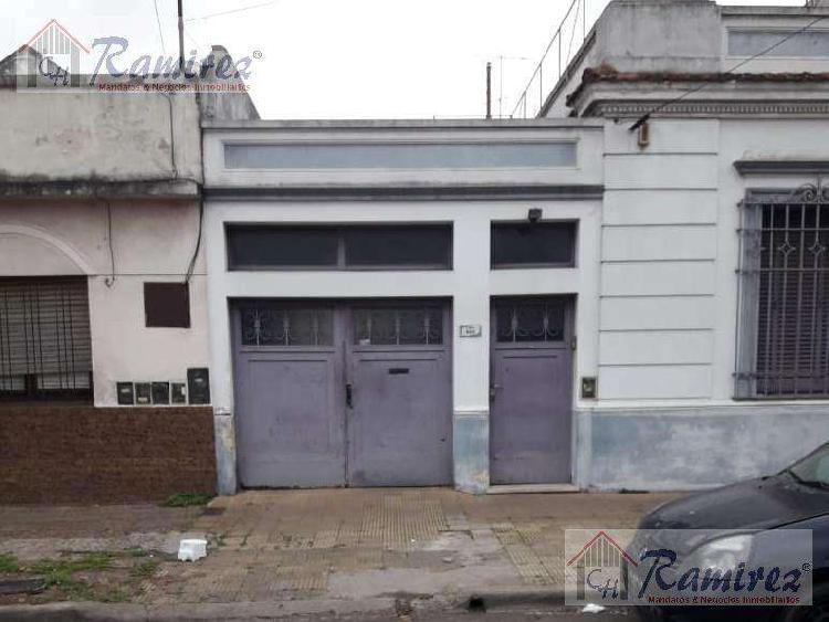 Casa y departamento 6 ambientes en venta- ramos mejia sur