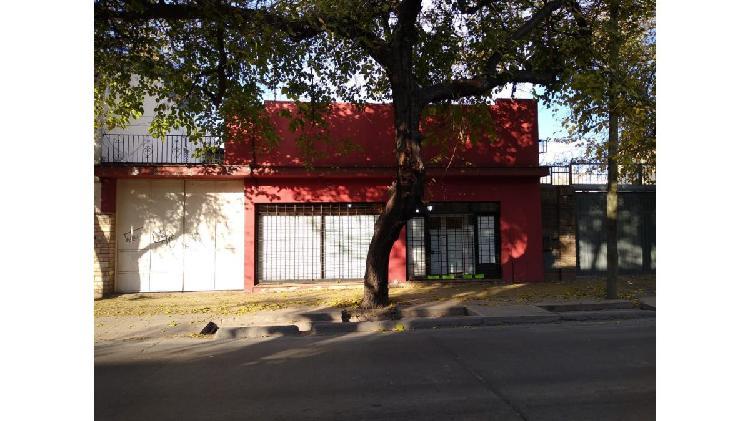 Local comercial c/galpón 630 m2 cubierto, frontal,