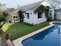 Chalet 5 ambientes playa grande parque piscina y garage
