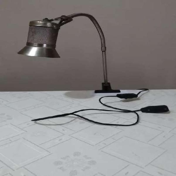 Lámpara pinza flexible estilo industrial para escritorio o