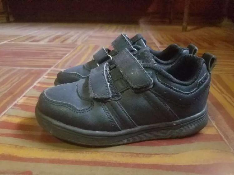 Zapatillas talle 26 para niños