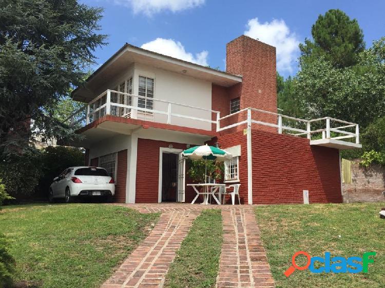 Casa 4 ambientes en dos plantas, zona sur villa gesell!