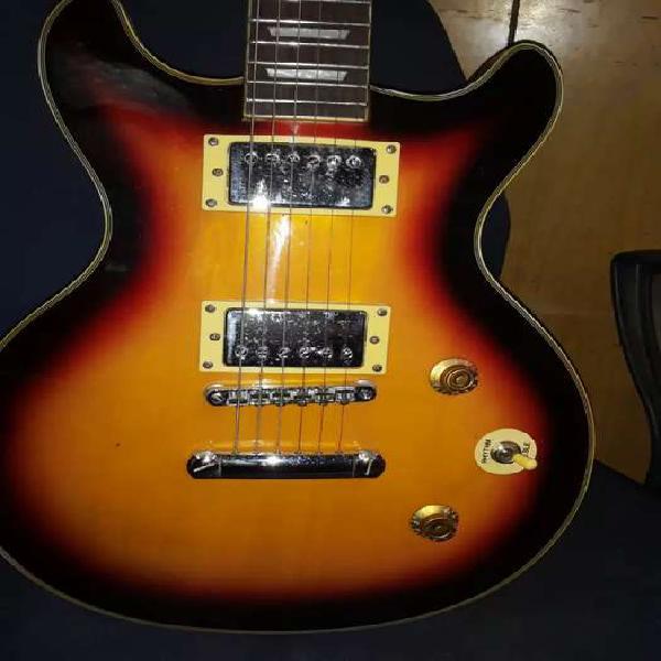 Guitarra eléctrica importada de media caja de los años 70