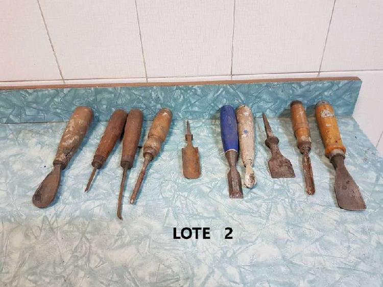 Lote de 10 herramientas antiguas ( formones rectos y curvos)
