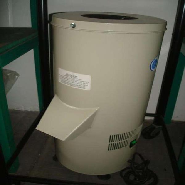 Maquina ralladora de pan 120 kg por hora fineschi nueva