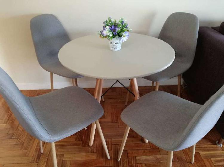 Juego comedor mesa redonda 80 cm + 4 sillas eames tapizadas