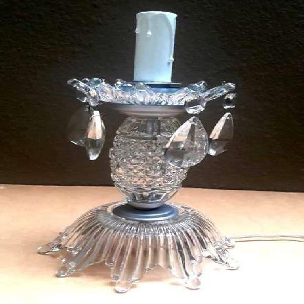 Lámpara antigua de vidrio de mesa