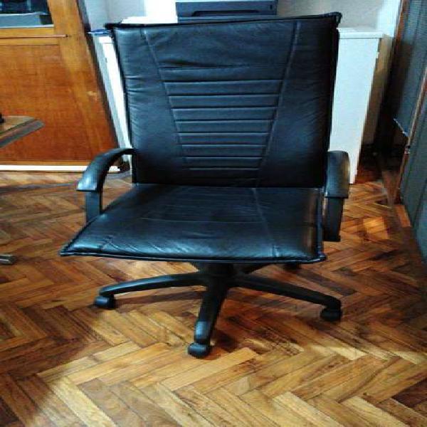 Vendo 3 sillones para oficina, material: cuero ecologico, se