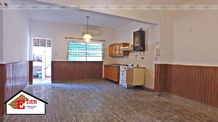 Casa en venta en arroyito | 2 dormitorios | patio con