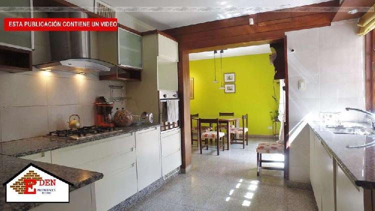 Casa de 4 dormitorios | cochera | comodín | quincho |