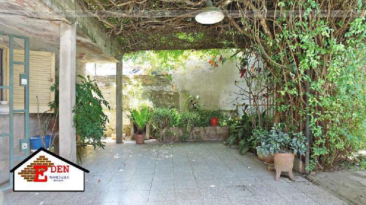 Casa en venta en b° urquiza | 2 dormitorios | patio con