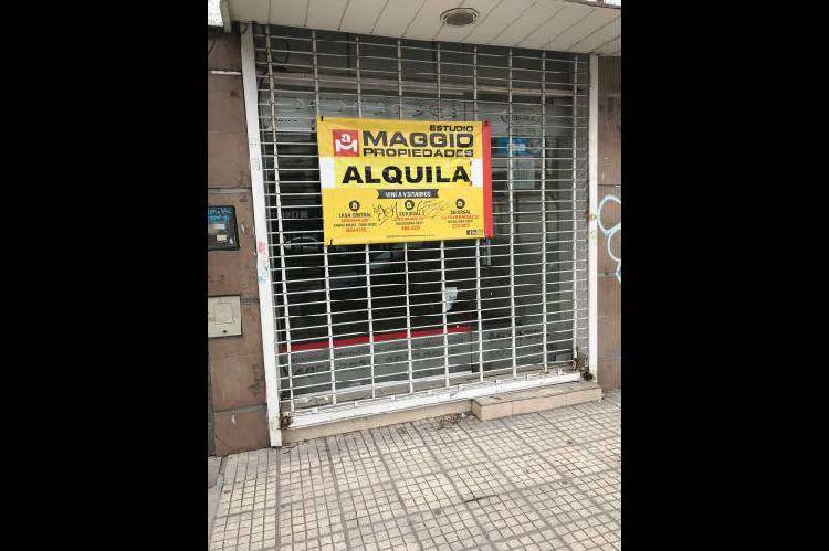 Local a la calle en alquiler ramos mejia / la matanza (a001
