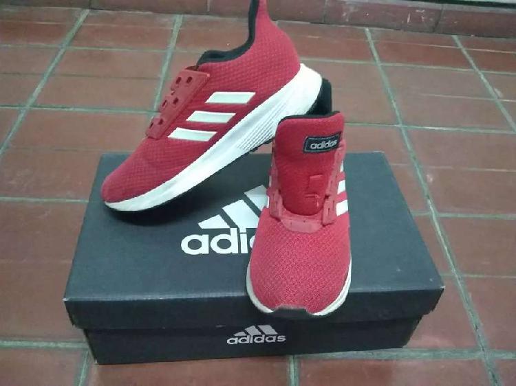 Zapatillas adidas rojas talle 32