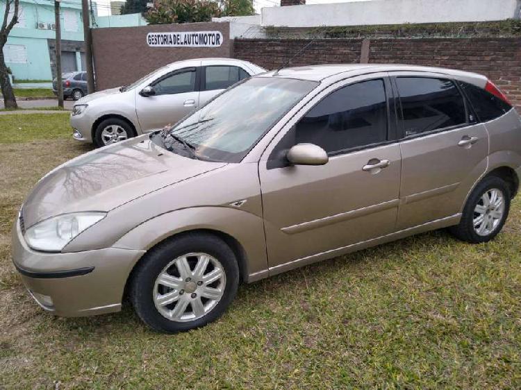 Ford focus ghia 1.8 td 5ptas. / 2006
