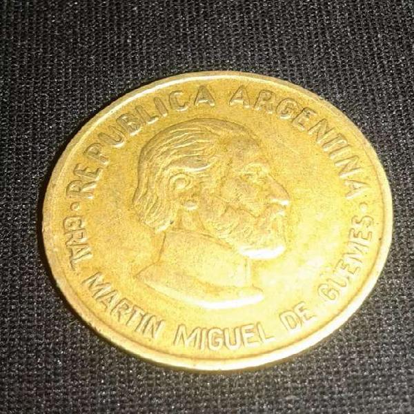 Moneda conmemorativa 50 ctvos gral güemes