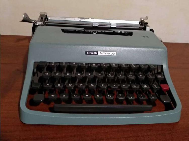 Máquina escribir olivetti lettera 22 origen italia.