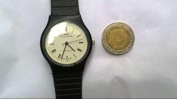 Reloj montreal deportivo color negro cuadrante blanco unisex