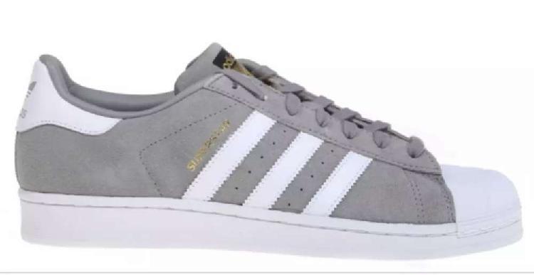 Zapatillas superstar gris tiras blancas