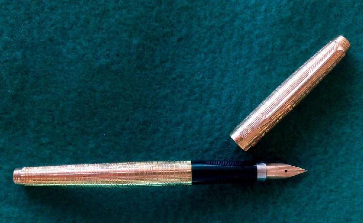 Lapicera parker 75 pluma oro sólido 14 k france