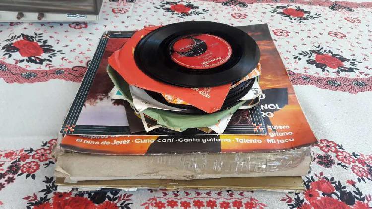 Lote de discos en pasta y vinilo opera y folklore todos 800$