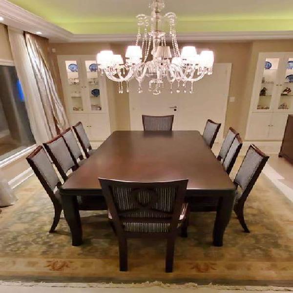 Mesa rectangular y 10 sillas de comedor de madera excelente