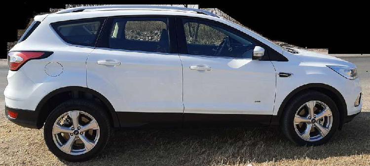 Vendo ford kuga 2018 titanium, at, 4wd, la mas full