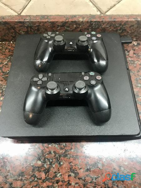 Ps4 slim 1tb con juegos y joysticks