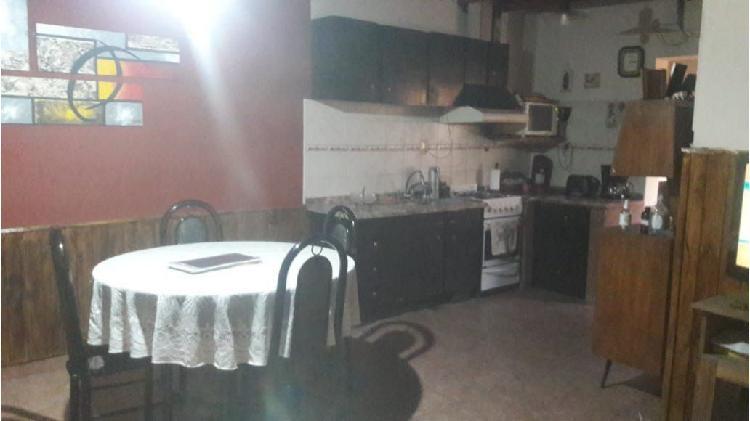 Casa 3 dormitorios / calle espejo y sargento cabral / las