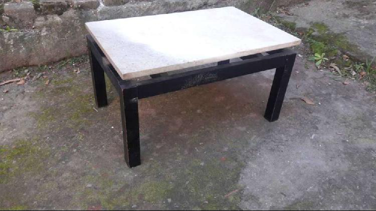 Mesa ratona chica con marmol carrara 2500$