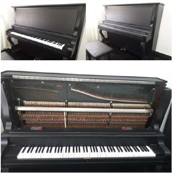 Piano vertical - negociable.