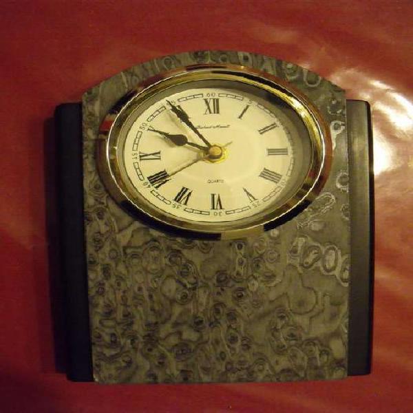 Reloj de mesa / escritorio estilo capilla