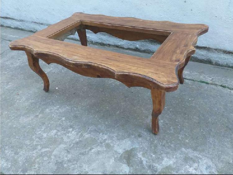 Mesa ratona 1.10 x 0.70 x 0.50 alto todo madera maciza 5000$