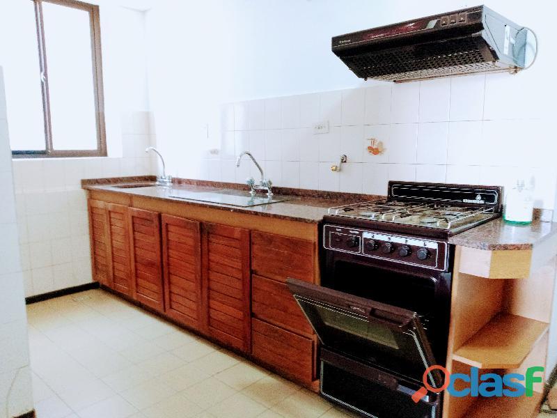Único departamento externo de 90 m2, 2 Dorm.c/Cochera, en S.Michell! 17