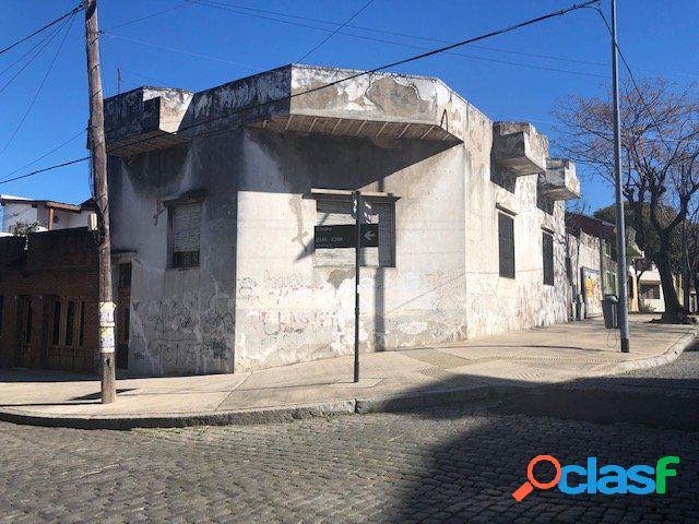 Casa 5 ambientes con patio y terraza en pompeya - tilcara 2300 esquina salvigny