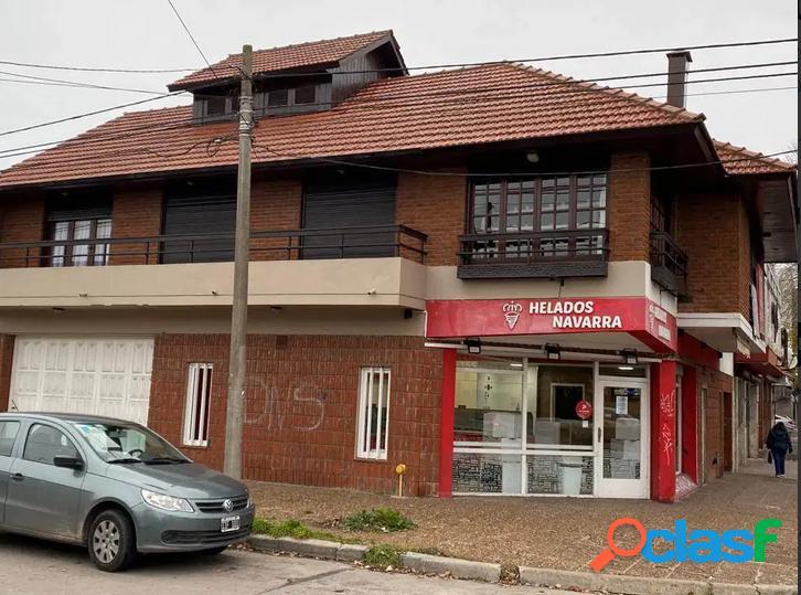 Gran casa con local avenida juan h. jara cerca de parque luro