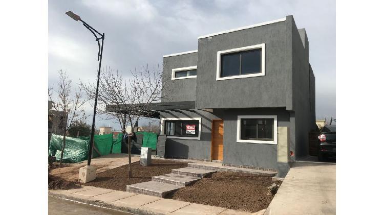Venta casa barrio privado godoy cruz