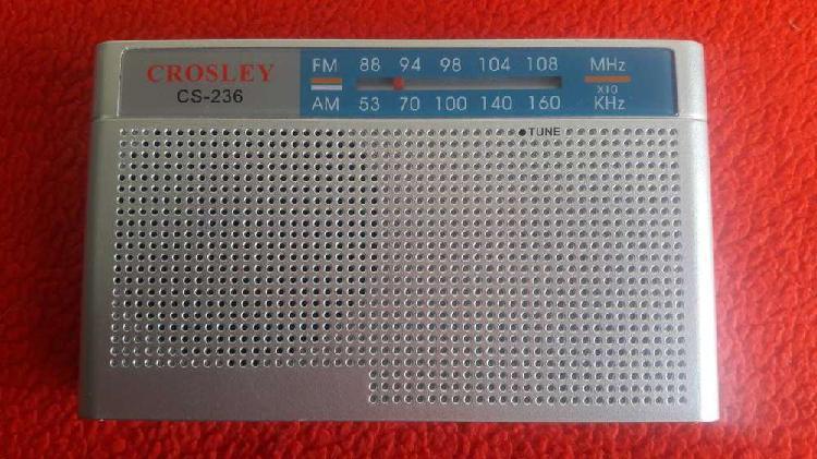 Radio portatil am/fm crosley cs-236