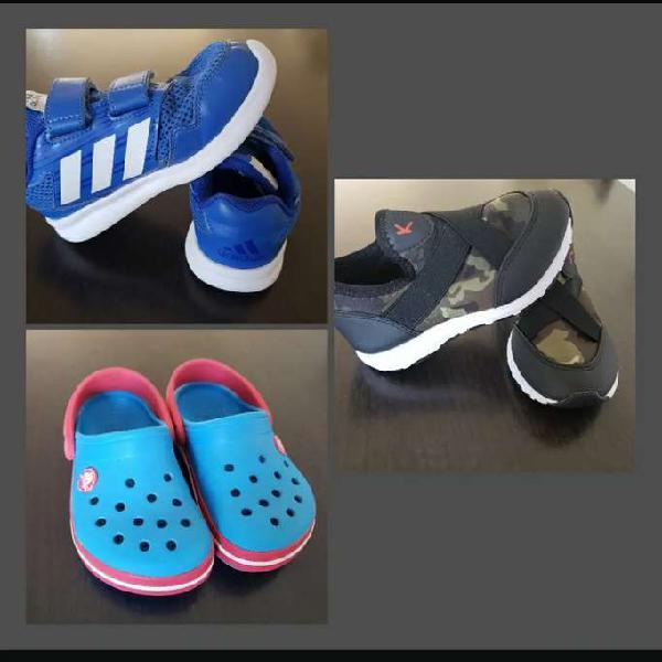 Zapatillas y crocs de niño