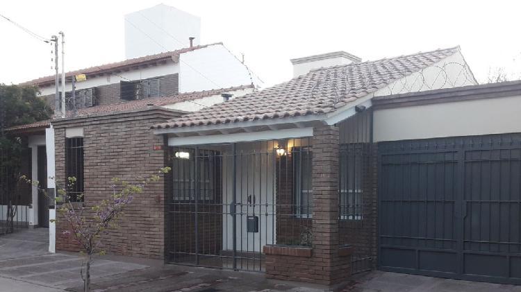 Dueño vende casa 3 dormitorios adyacencia walmark