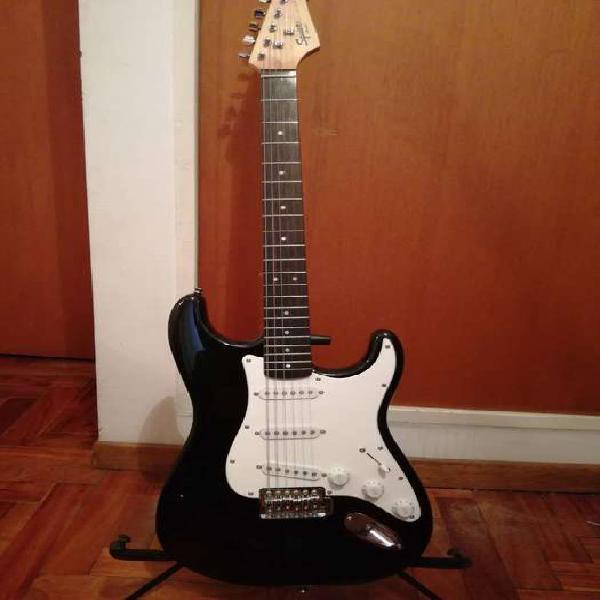 Guitarra eléctrica squier by fender con muy poco uso