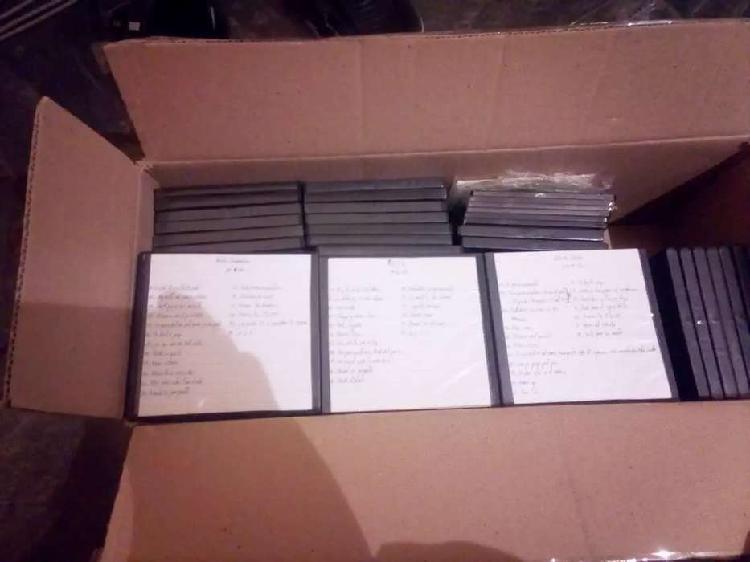 Lote de cd's . más de 100 recitales de los redondos,indio y
