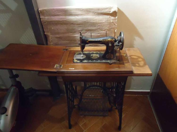 Maquina de coser antigua marca joya