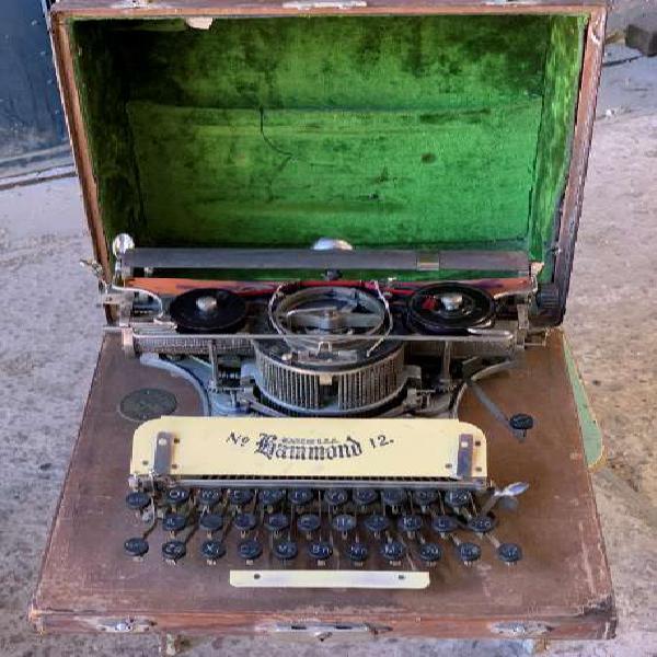 Máquina de escribir antigua hammond n°12