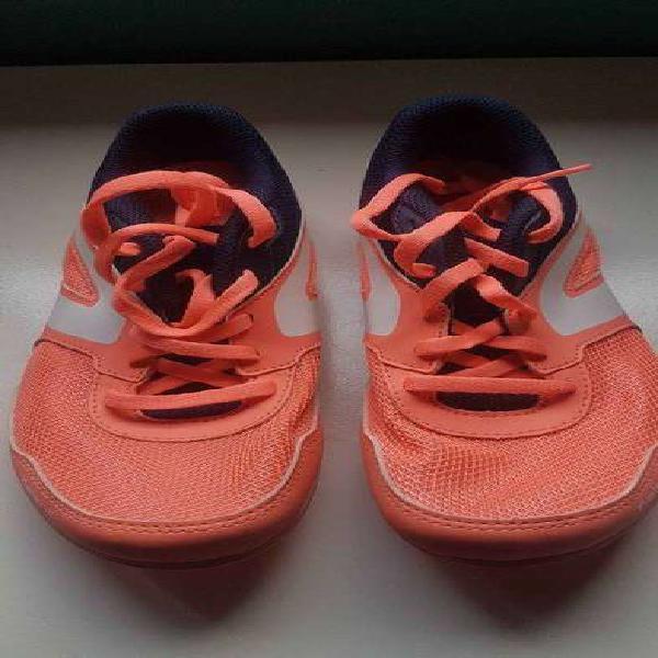 Zapatillas con clavos de atletismo t38
