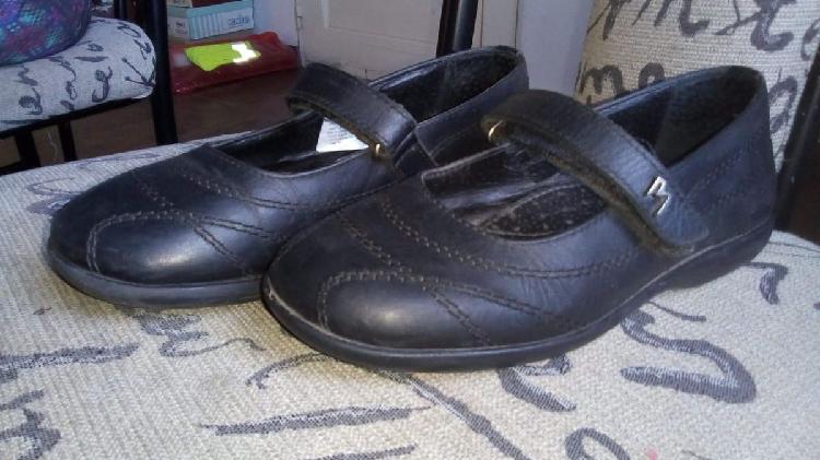 Zapato escolar niña