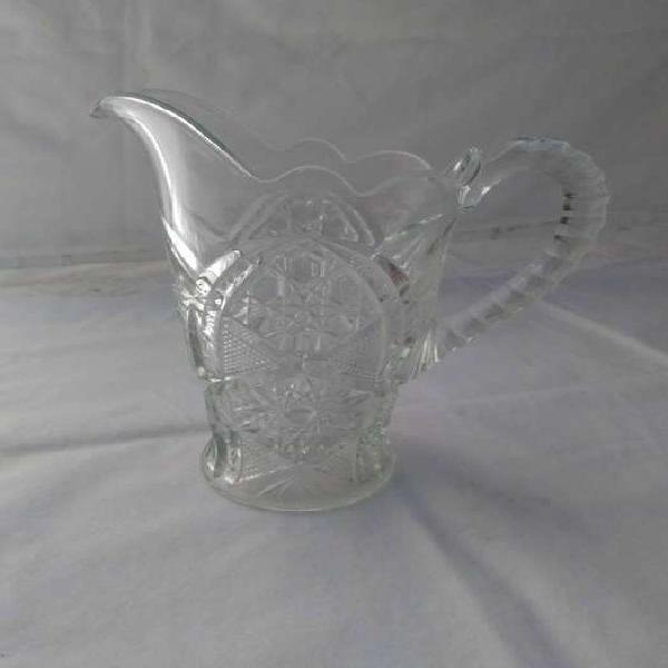 Antigua jarra única totalmente tallada 2 lt,.excelente